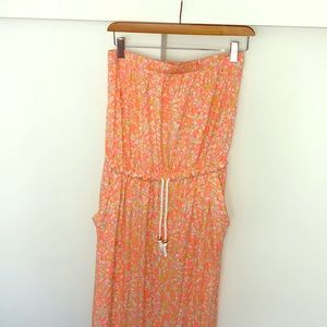 Fun long pink strapless maxi dress!